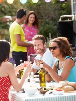 How to organize a backyard bbq party - Organiser barbecue party ...